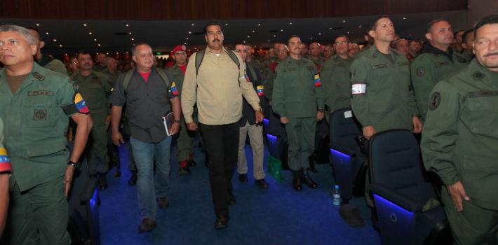 """Defensa venezolana monitorea a militares en busca de """"traidores"""""""