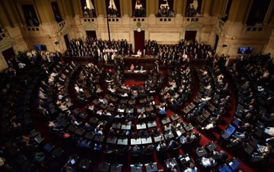 Triunfó el ala política del Gobierno: habrá sesiones extraordinarias en el Congreso