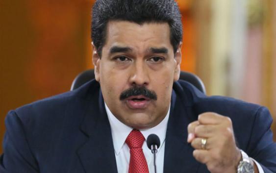 """El modelo chavista no aguantó: Maduro tuvo que convalidar un ajuste con devaluación y """"tarifazo"""""""