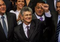 """Henry Ramos Allup: """"la Historia le va a agradecer a Maduro que renuncie"""""""