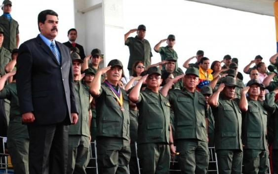 Nicolás Maduro, cada vez más cerca de un régimen militar