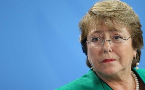 El 74 % de chilenos desaprueba gestión de Bachelet tras crisis de incendios